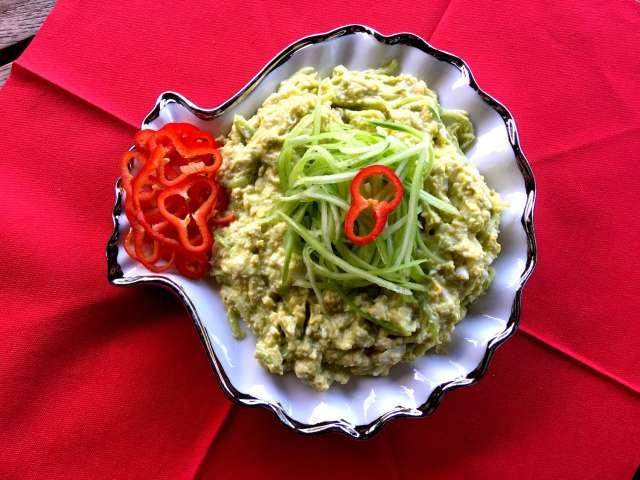 Gülşah'ın Avokadolu Fanfin Salatası Tarifi
