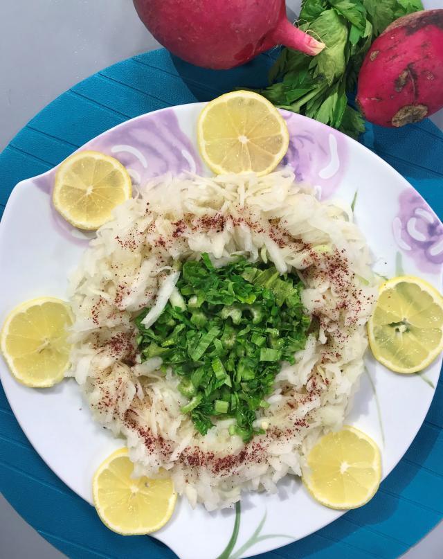 Alabaşlı Turp Salatası Tarifi