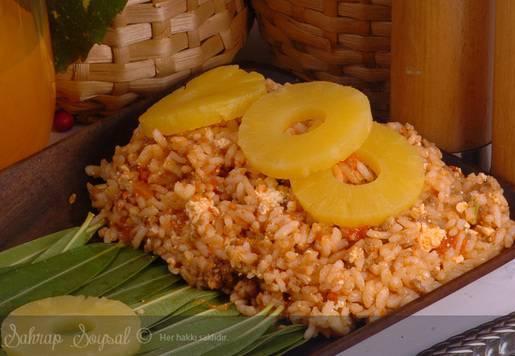 Ananaslı Pasifik Pilavı Tarifi