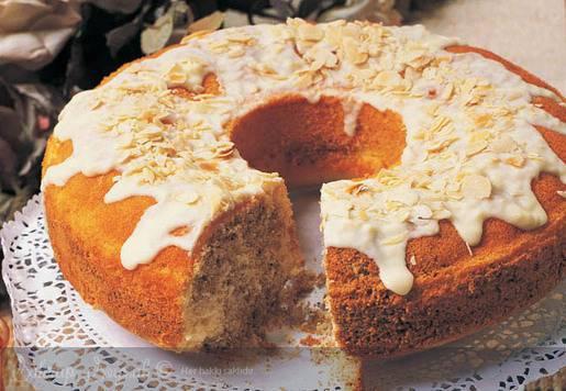 Bademli Haşhaşlı Kek Tarifi