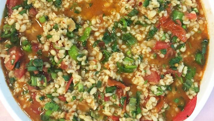 Başbaşı Bulguru Salatası Tarifi