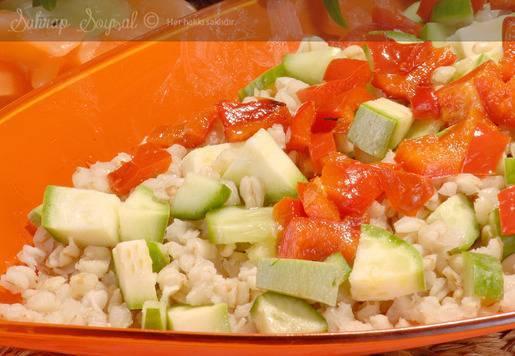 Buğdaylı Ortadoğu Salatası Tarifi
