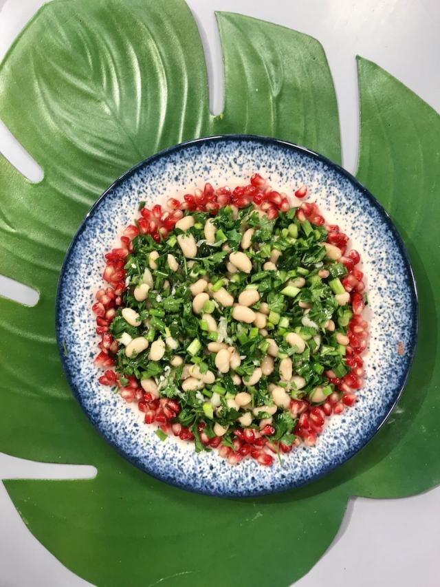 Çeşnili Kuru Fasulye Salatası Tarifi
