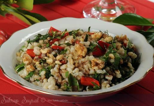 Cevizli Buğday Salatası Tarifi