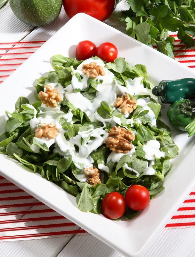 Cevizli Semizotu Salatası Tarifi