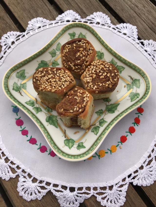 Gülçin\'in Haşhaş Ezmeli Çöreği Tarifi
