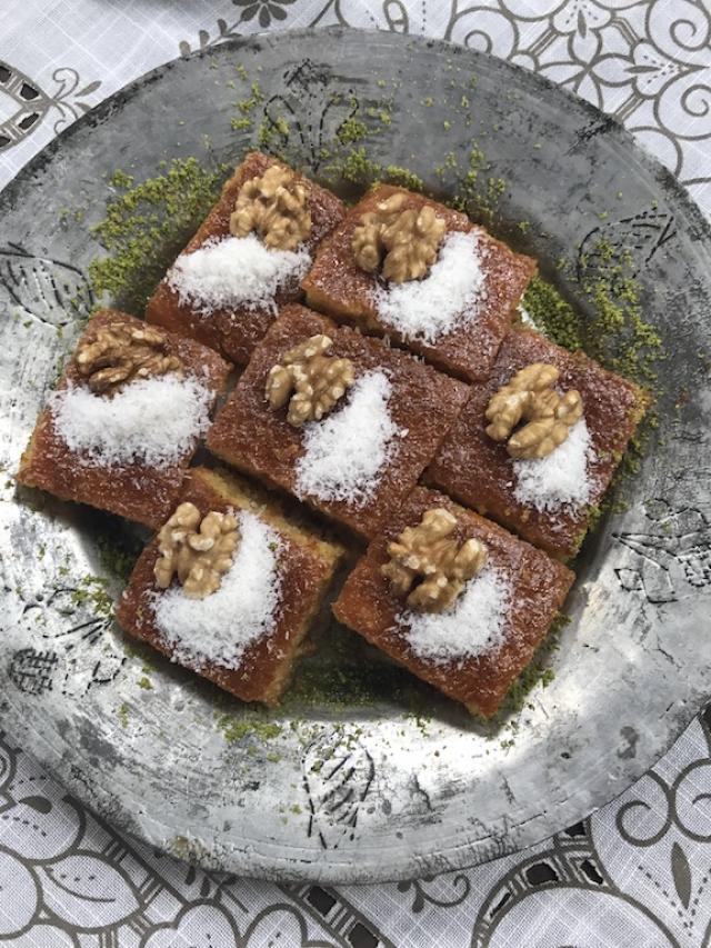 Haşhaşlı Sütlü Revani Tarifi