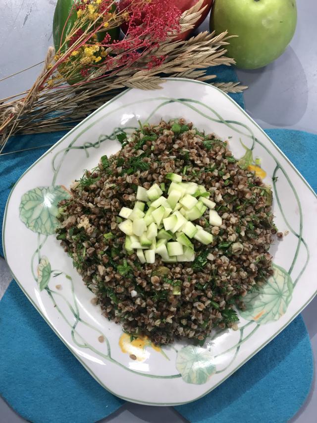 Kabaklı Greçka Salatası Tarifi