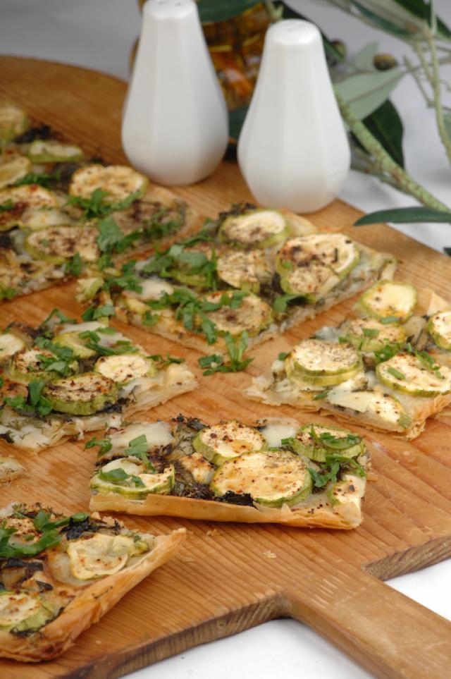 Kabaklı Pizza Börek Tarifi