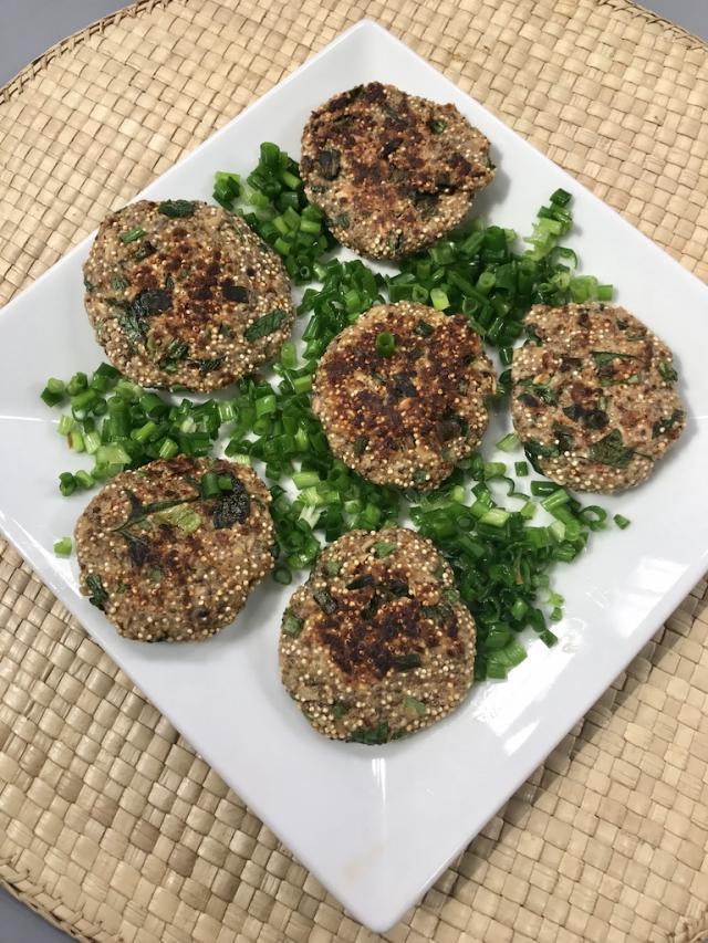 Kinoalı-Chia Tohumlu Baharatlı Bazlama Tarifi-Sağlıklı Mutfak