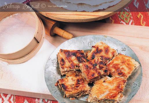Kuru Yufka Böreği (ballı Börek) Tarifi