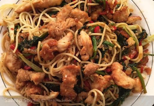 Makarnalı Çin Yemeği Tarifi