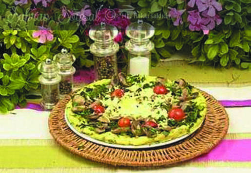 Mantarlı Ispanaklı Patates Pizzası Tarifi