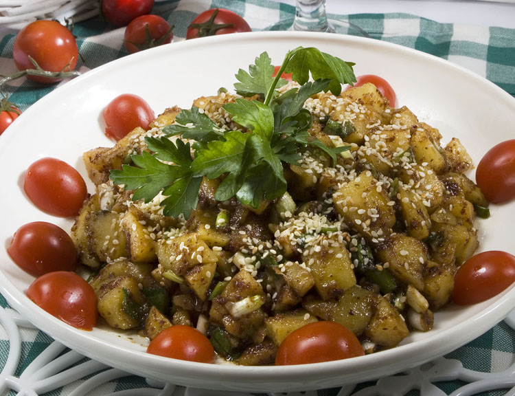 Nar Ekşili Susamlı Patates Salatası Tarifi
