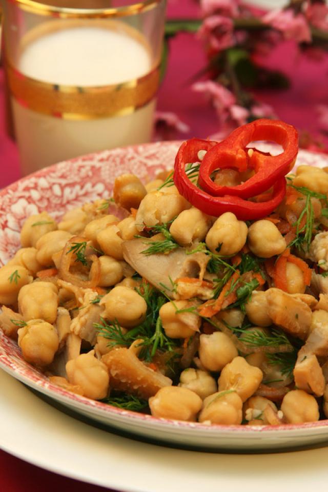Nohutlu İşkembe Salatası Tarifi