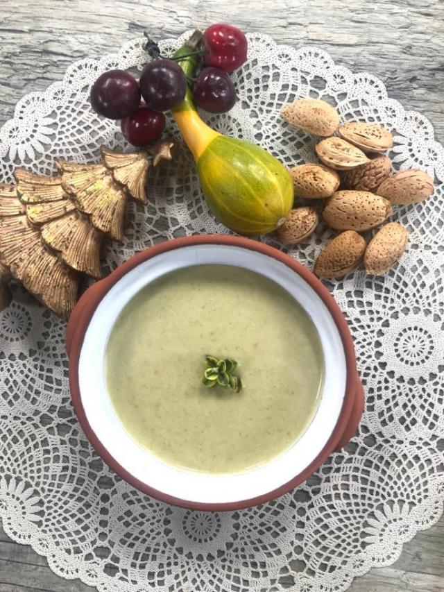Pırasalı Brokoli Çorbası Tarifi