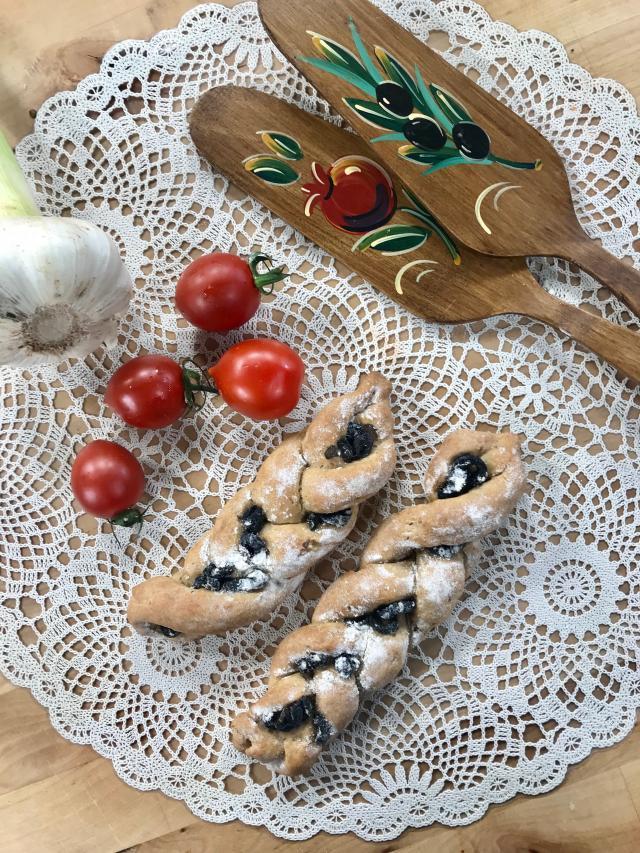 Siyez Unlu Zeytinli Ekmek Tarifi