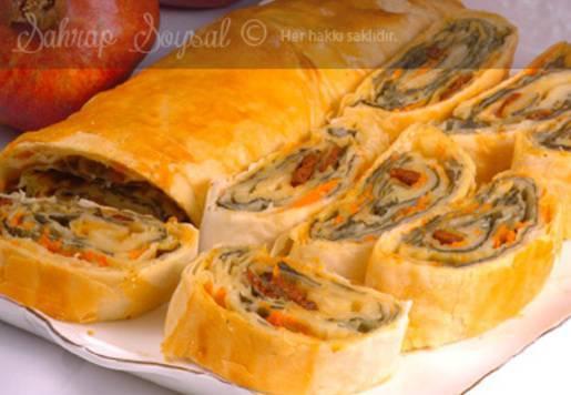 Sucuklu Sebzeli Hatıra Böreği Tarifi