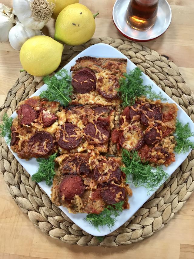 Sucuklu Tam Tahıllı Ekmek Pizzası Tarifi