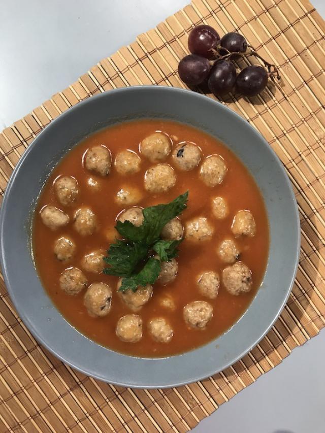 Tavuk Köfteli Sebze Çorbası Tarifi