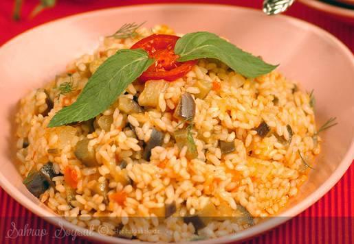 Tavuklu Patlıcanlı Pilav Tarifi