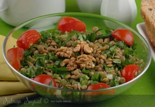 Yeni Yıl Salatası Tarifi