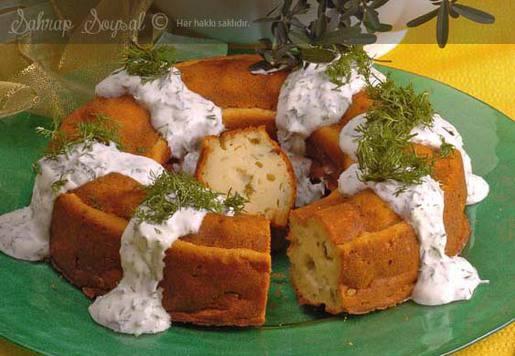 Yoğurt Soslu Soğanlı Kek Tarifi