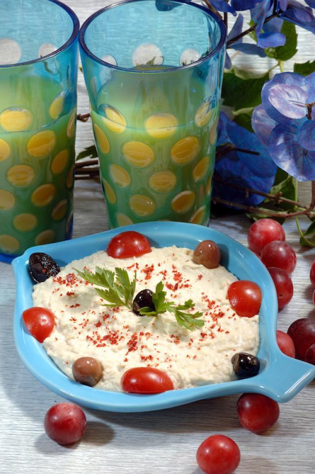 Yoğurtlu Tahinli Adana Salatası Tarifi