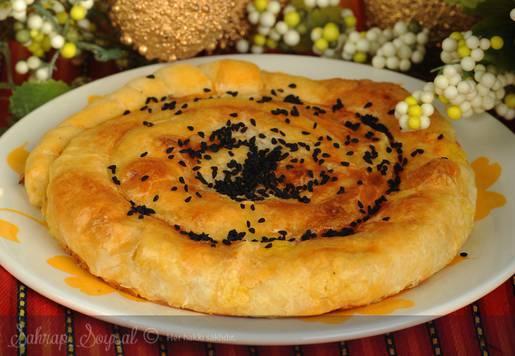 Zeytinli Kıymalı Gül Böreği Tarifi