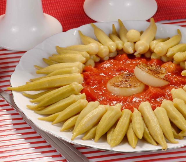 Zeytinyağlı Domatesli Bamya Tarifi