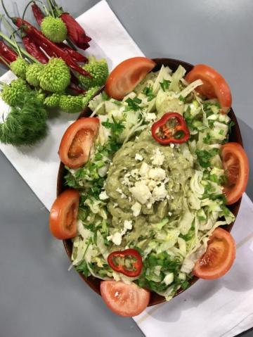 Avokado Soslu Yeşil Salata Tarifi