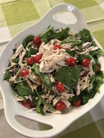Başbaşı Bugurlu Ispanak Salatası Tarifi
