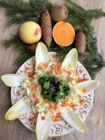 Beyaz Hindiba Salatası Tarifi