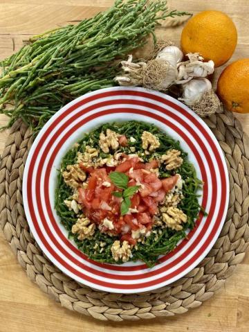 Cevizli Deniz Börülcesi Salatası Tarifi
