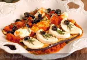Domates Soslu Patlıcanlı Mozarella Tarifi
