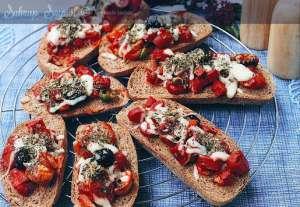 Ekmek Diliminde Pizza Tarifi