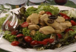 Enginarlı Endülüs Salatası Tarifi