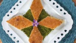 Fıstıklı Sütlü Revani Tarifi