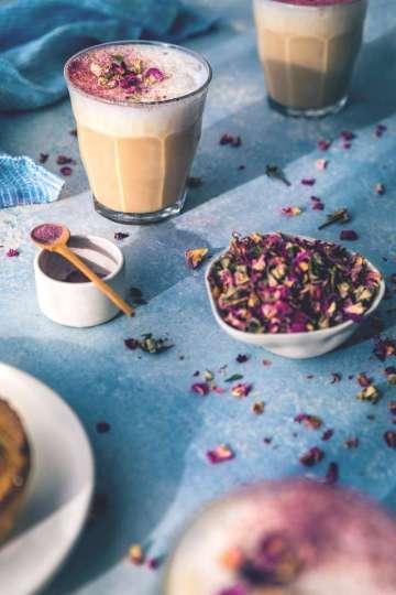 Güllü ve Earl Greyli Latte Tarifi