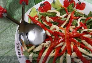 Hint Usulü Tavuk Salatası Tarifi