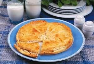 İrmikli Peynir Böreği - Tiropita Tarifi