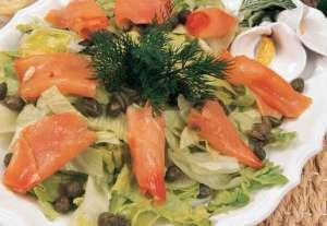 Kaparili Somon Füme Salatası Tarifi