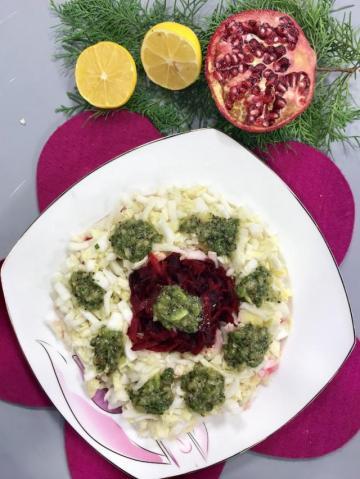 Kivi Soslu Çin Marulu Salatası Tarifi