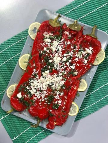 Peynirli Kırmızı Biber Salatası-Sağlıklı Mutfak Tarifi