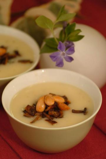 Sütlü Bademli Patlıcan Çorbası Tarifi