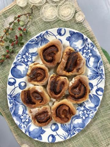 Tahinli Pekmezli Amerikan Çöreği-Cinnamon Roll Tarifi