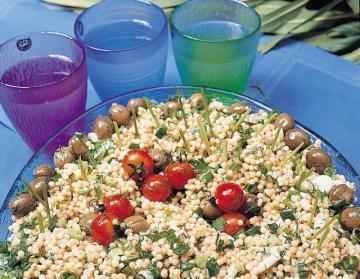 Zeytinli Kuskus Salatası Tarifi