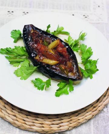 Zeytinyağlı Patlıcan İmam Bayıldı Tarifi